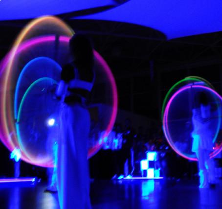 LED Show mit Schwarzlicht