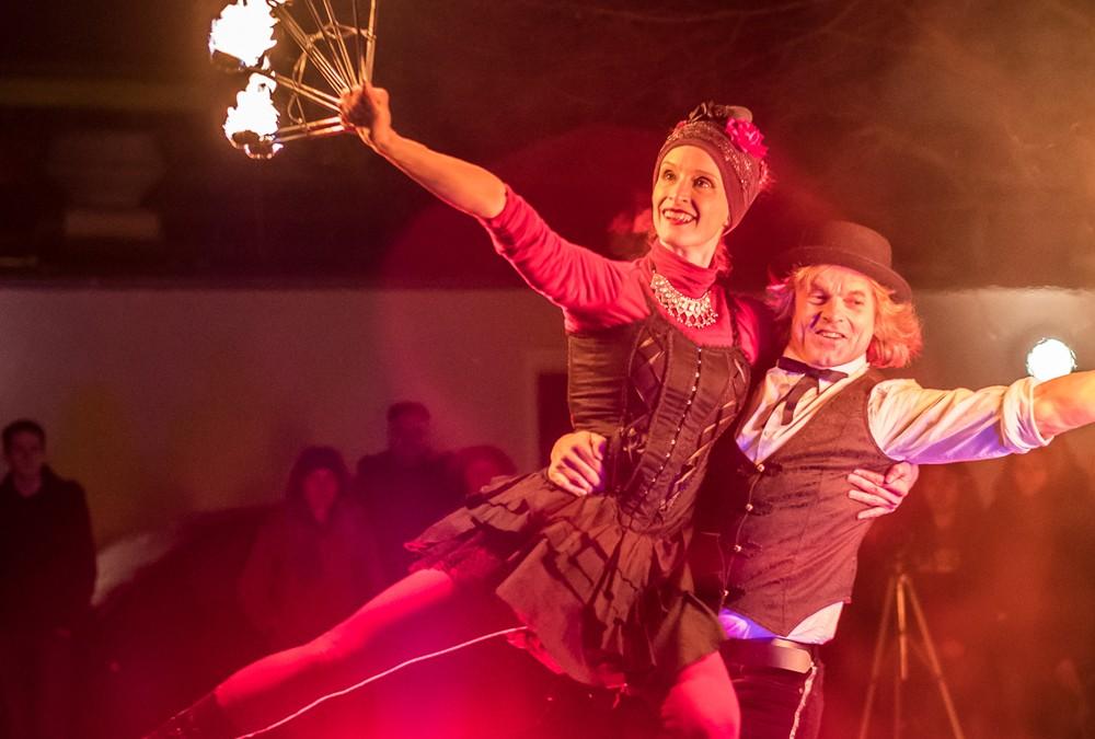 Silvesterball 2017 Bad Berneck Tango Feuershow, Venezianische Stelzenläufer & LED-Show